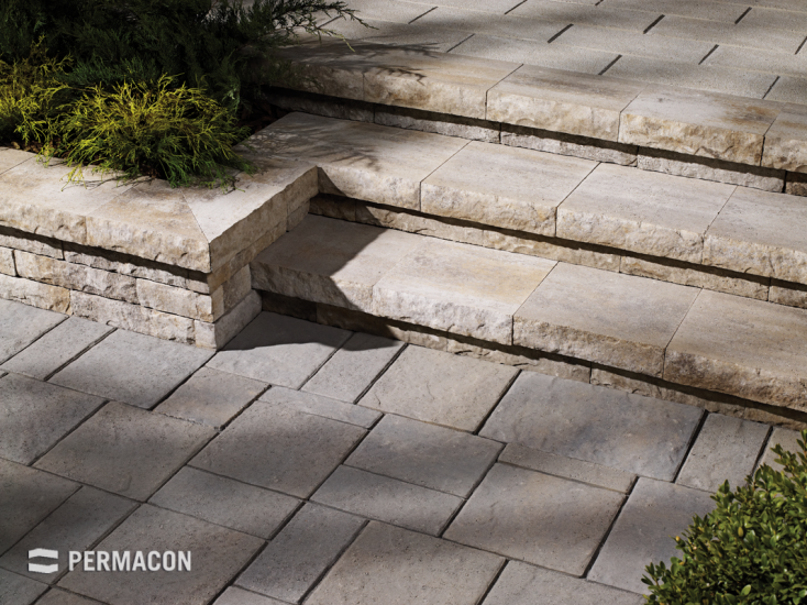 Beautiful steps in complete harmony with the pavers